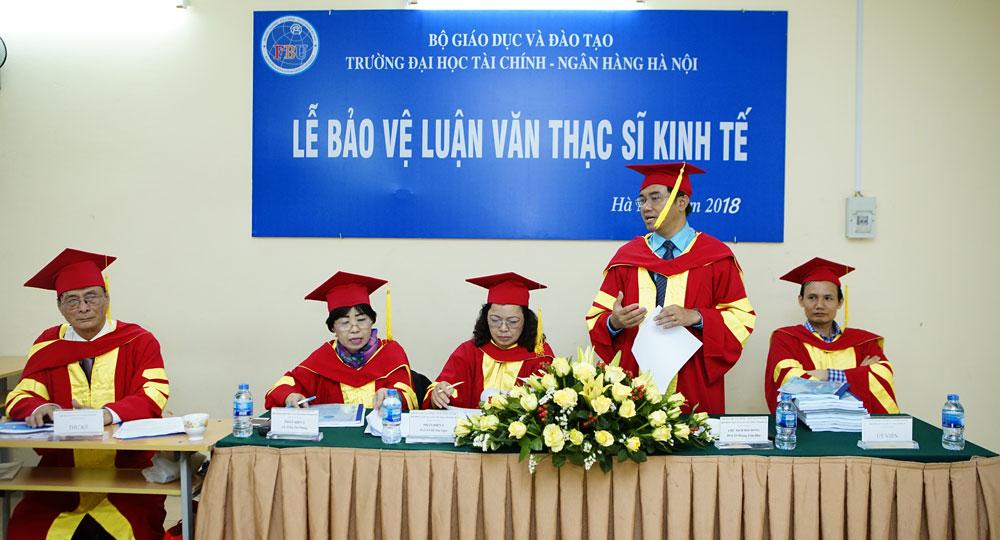 co-nen-hoc-thac-si-chuyen-nganh-tai-chinh-ngan-hang
