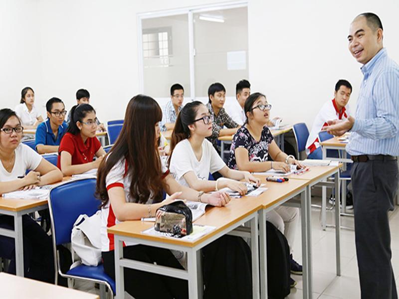 4 ly do hoc sinh nen chon-truong-dai-hoc-tai-chinh-ngan-hàng-ha-noi2