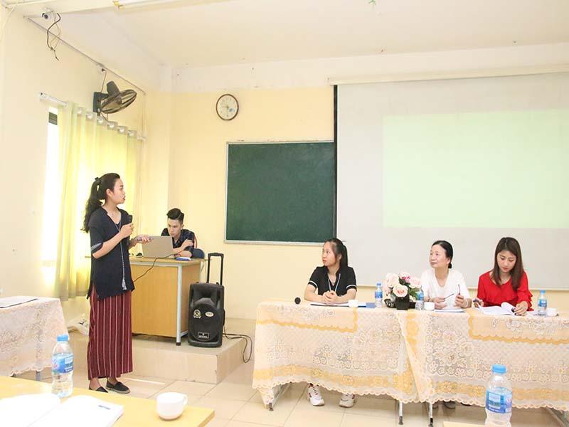 hoi-thao-khoa-hoc-khoa tai-chinh-ngan-hang-4